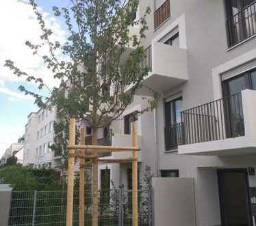 Erstbezug mit EBK und Balkon: stilvolle, geräumige 1-Zimmer-Wohnung in Moosach, München