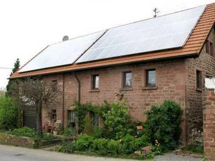 Stilvoll saniertes Bauernhaus mit Traumgarten