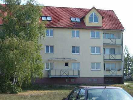 schöne Wohnung am Ortsrand mit Balkon