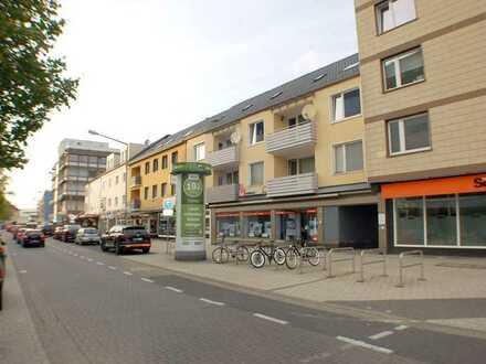 !!! Zentraler Lage !!! 3 Zimmer Wohnung eingerichtet mit Garage und EBK zu Verkaufen