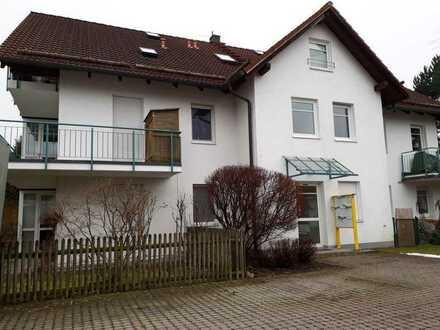 Gepflegte, ruhige Wohnung mit zwei Zimmern sowie Balkon und Einbauküche in Inning am Ammersee