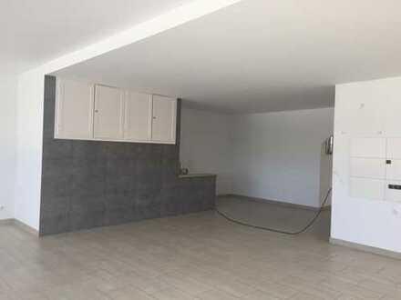 Sanierte 4-Zimmer-Wohnung mit Dachterrasse in Schöneck Oberdorfelden