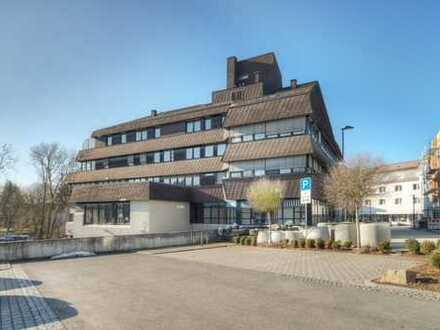 Attraktive Kapitalanlage! Büro/Praxis in direkter Stadtlage komplett vermietet - 21.500 €/p.a.