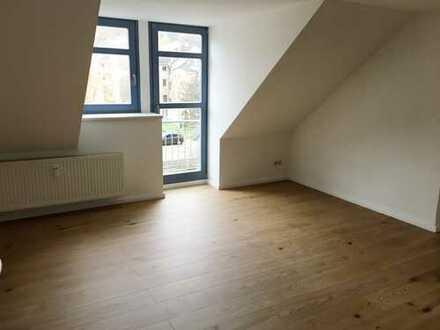 Großzügige 3-Raum-Wohnung mit 2 Balkonen und Einbauküche!