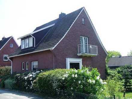 KVBM bietet an: Freistehendes Einfamilienhaus mit Garage in wunderschöne ruhige Wohnlage am Südhang