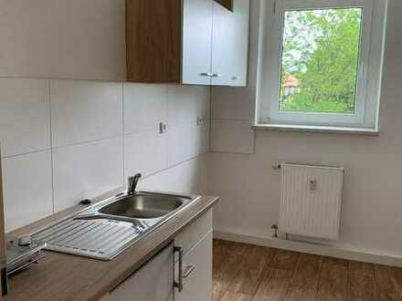 **2-Raum-Wohnung - renoviert - Einbauküche - Lauchhammer-Mitte**