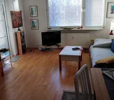 Schöne helle 2 Zi. Wohnung in ruhiger Lage in HHJenfeld