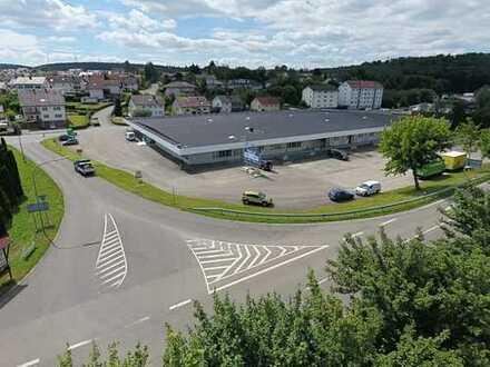Sehr gute Lage - Eckgrundstück - ca. 2.000 m² Halle - 50 Stpl.