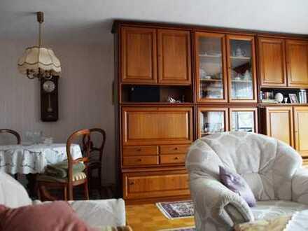 Möblierte bedarfsgerechte 4-Zimmer-Wohnung