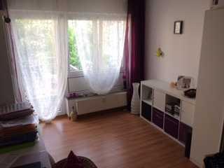 Helle und gepflegte 1-Zimmer-Wohnung mit Balkon und Einbauküche in Tübingen
