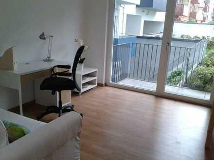 1 Zimmer Wohnung mit Balkon u. Pantryküche