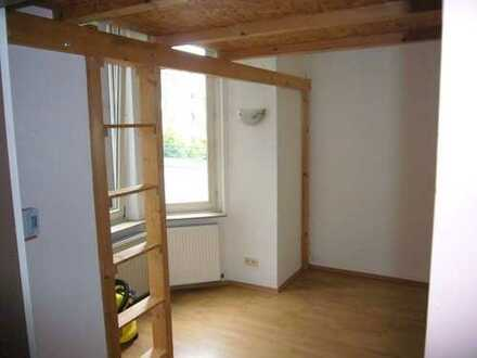 Helles Apartment in der Hagener Innenstadt / Rückseite Stadtgarten / Teilmöbliert