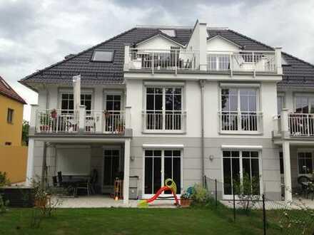 Dachgeschoß-Wohnung mit Terrasse und Dachstudio in Laim