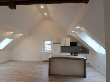Erstbezug nach Sanierung: schöne 3-Zimmer-Wohnung mit großem Wohn- Essbereich und integrierter Küche