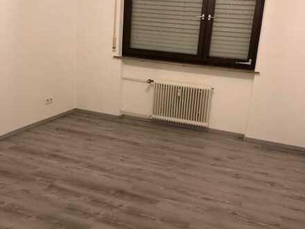 Helle, wunderschöne, 2 -Zimmer Wohnung in Pforzheim