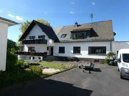 Freundliche, modernisierte 3,5-Zimmer-Dachgeschosswohnung zur Miete in Emmelshausen