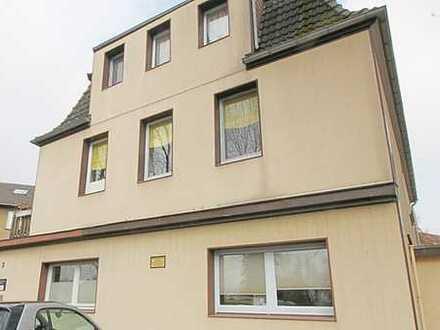 Top für die Großfamilie oder Investoren geeignet!! 3-FH mit Balkon , Terrasse und Garagen