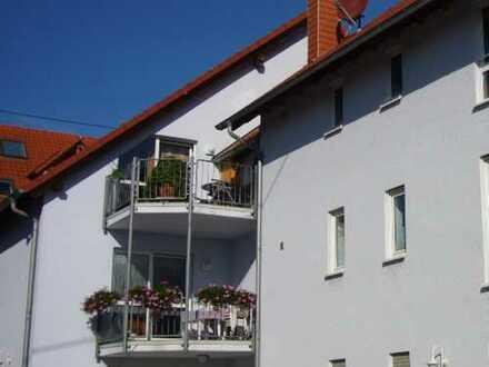 Gepflegte 3-Zimmer-DG-Wohnung mit großem Balkon in Herxheim am Berg