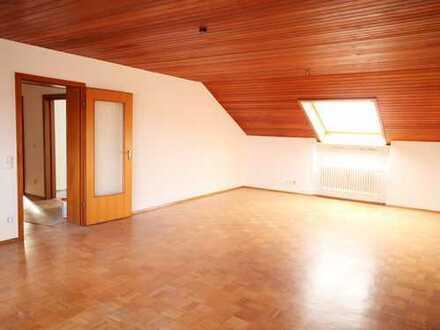Neu renovierte 3-Zimmer-Dachgeschosswohnung mit Dacheinschnitt in Baden-Baden Sandweier