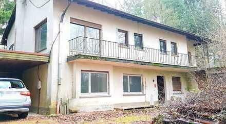 Renovierungsbedürftiges Einfamilienhaus mit großem Grundstück in Spechbach