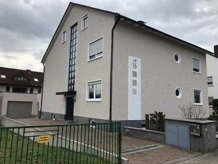 Provisionsfreies 2- bis 3-Familien-Haus mit Garage und Garten