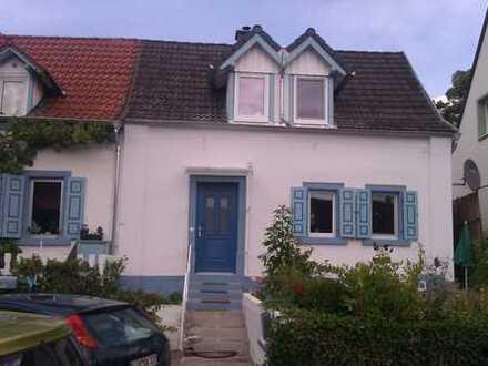 Doppelhaushälfte mit drei Zimmern in Donnersbergkreis, Göllheim ab 1.Februar