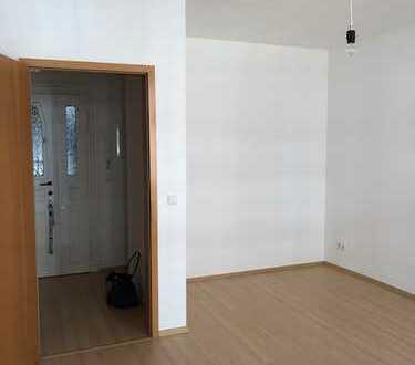 1-Zimmer-Wohnung im schönen Stötteritz! sep.Küche+Fenster, Dusche!