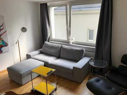 Voll möblierte helle 2-Zimmer Wohnung in super Lage // fully furnished flat in great location