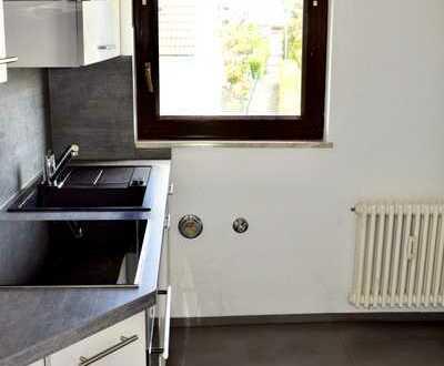 Gepflegte 4-Raum-Wohnung mit Balkon und Einbauküche in Grafenau/Döffingen