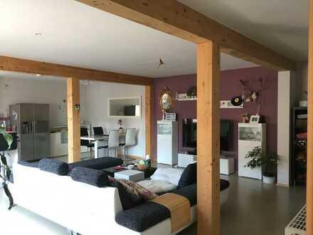 Sonnige Maisonette-Wohnung mit zwei Süd-Balkonen und Einbauküche in Neuried-Altenheim