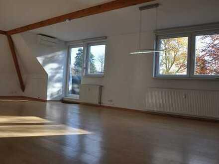MH Holthausen, Nähe MaxPlanckInstitute, Top renovierte 3Zimmer Wohnung, 80m², ab sofort zu vermieten