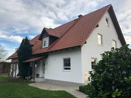 Großzügige Doppelhaushälfte mit Garten in Langerringen