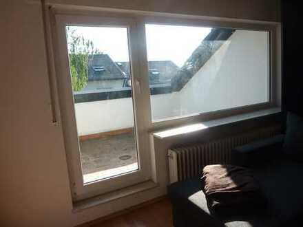 Schöne, helle 1- Zimmer- Dachgeschosswohnung in KA-Wolfartsweier zu vermieten