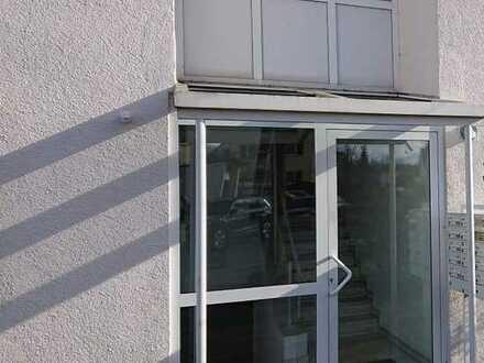 Top helle und gepflegte 1 Zimmer-Wohnung in bester Lage mit EBK und Stellplatz