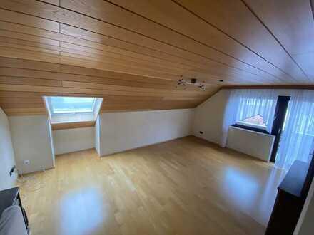 5-Zimmer-Wohnung mit EBK und Balkon in Reutti