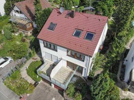 Sonnige Doppelhaushälfte mit schönem Garten, neuem Bad und EBK