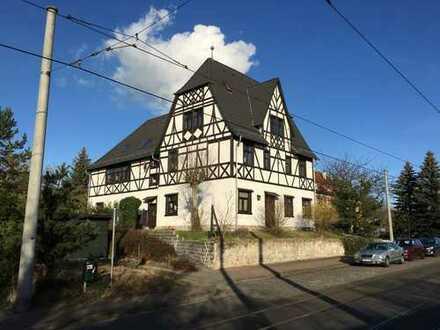 Großes Haus in zentraler Lage von Schkopau mit 4 Einheiten, ideal für Projektträger, Firmensitz o.ä.