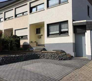 Schönes und gepflegtes 5-Zimmer-Reihenendhaus zur Miete in Euskirchen-Stotzheim zu vermieten