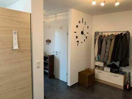 3-Zimmer-Maisonette-Wohnung mit Einbauküche in Wahn, Köln