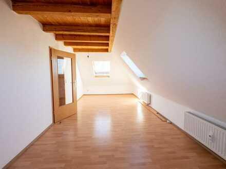 Schöne 2-Zimmer-Dachgeschosswohnung mit Einbauküche in St.Georgen