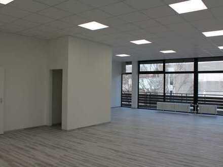 Loftfeeling! Topräume für Büro, Praxis, Gewerbe mit Blick über die grünen Höhen von Essen-Kettwig