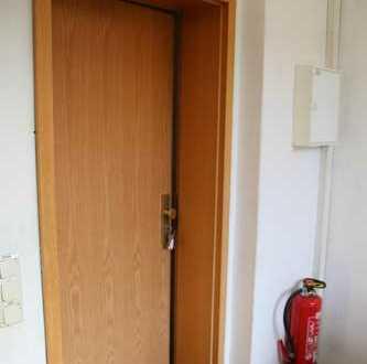 Handwerker aufgepasst! Mietfreiheit bei Eigenrenovierung! Helle 3-Zimmer-Wohnung mit großer Famil...