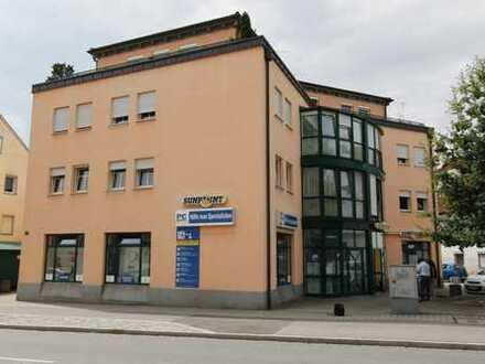 Verkehrsgünstige Büro-/Ladenfläche zu vermieten!