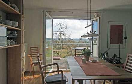 Wunderschöne, sonnige 5 Zimmer-Wohnung über 2 Etagen in herrlicher, unverbauter Stadtrandlage