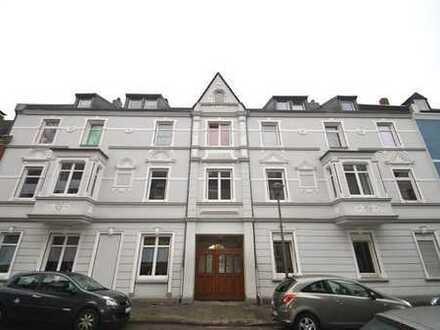 Kleine und schnuckelige Wohnung im DG - 2er WG geeignet