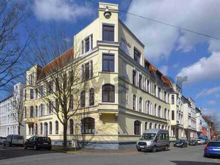 Top-gepflegtes Renditeobjekt: Vermietete 3-Zi.-ETW mit Loggia in zentraler Lage