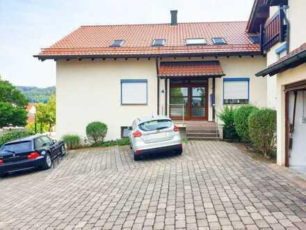 Provisionsfrei - Rendite Kracher oder Eigennutz: Stilvolle, 2-Zimmer-Wohnung mit Balkon und EBK