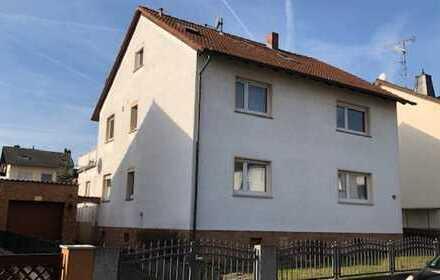 Zweifamilienhaus mit ausgebautem Dachgeschoss