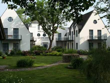 gepflegte Hotelanlage mit zusätzlichem Ferienhaus vis á vis von Hiddensee
