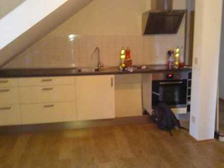 Ruhige 3-Zimmer-Dachgeschosswohnung zu vermieten